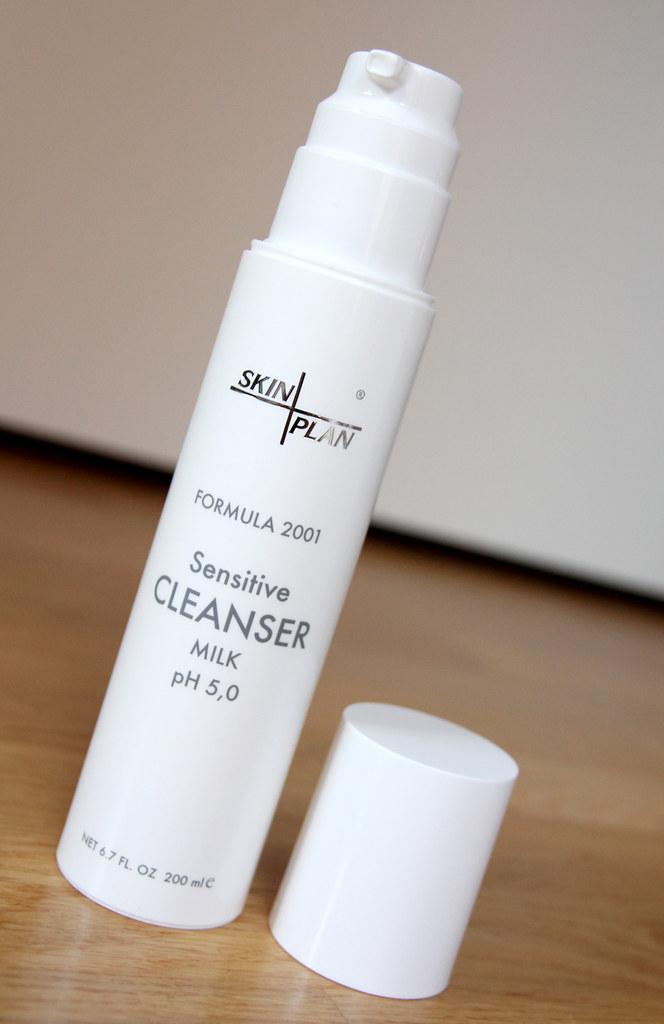 Skinplan sensitive cleanser milk