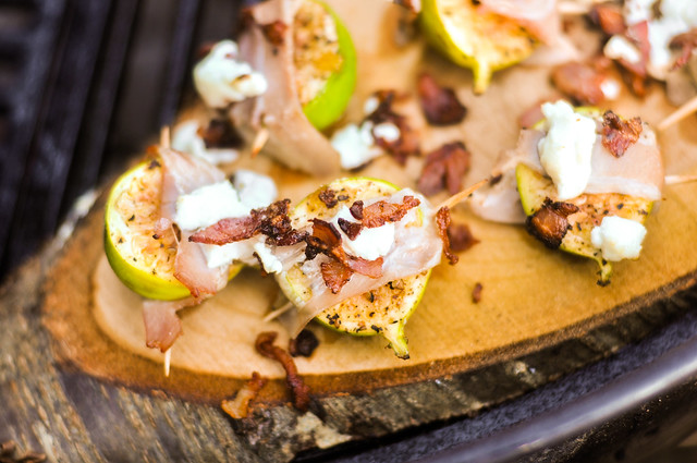 Figs with Pancetta and Goat Cheese