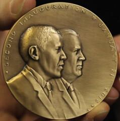 Kann Obama-Biden medal obverse