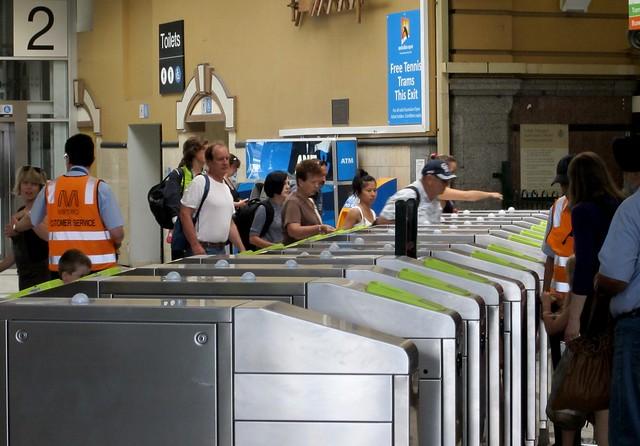 Myki barriers, Flinders Street