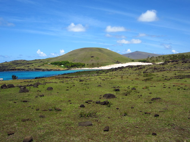 Approaching Anakena Beach
