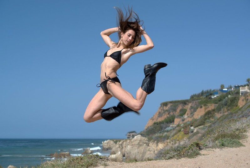 Nikon D800 Photoshoot of Pretty Swimsuit  Bikini Model Goddess on Malibu Bluff