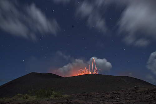 stars volcano lava steam eruption vanuatu tanna yasur