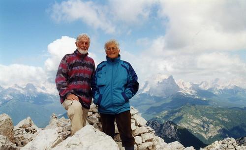 Carla con Giann appena giunto dopo un dislivello di 1700 m