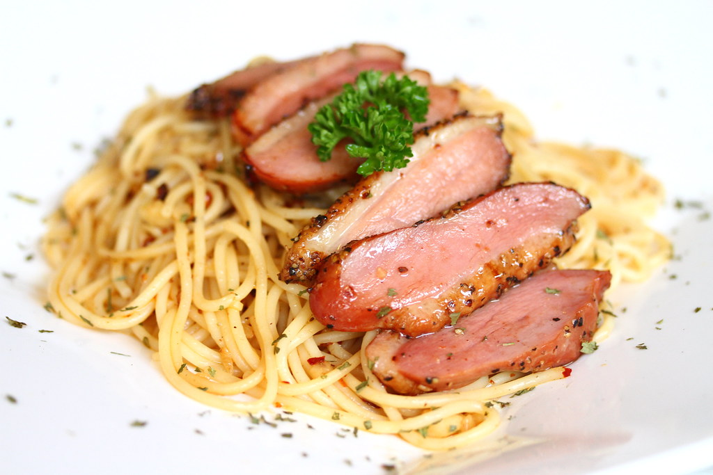 Bliss Restaurant: Smoked Pepper Duck Aglio Olio