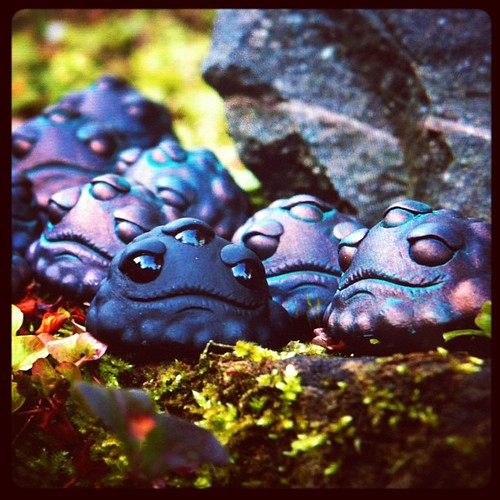 The Greads are loving the sun @deadhandtoys by [rich]