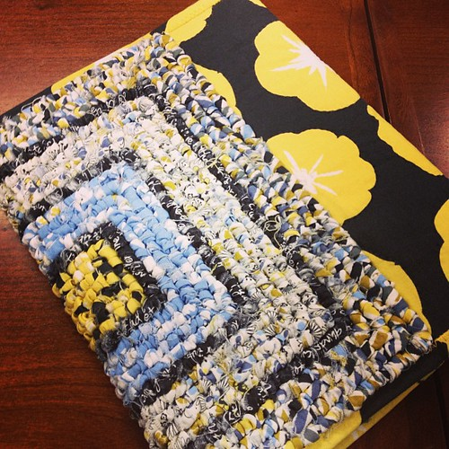 #sacmqg member Gail made a notebook cover for her #madronaroad challenge. Love it!