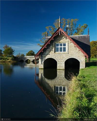 bridge autumn ireland lake reflection history filter boathouse maynooth circularpolarizer kildare localhistory historicbuilding cartonestate