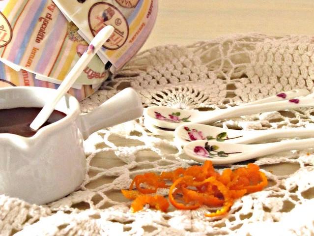 Coppa alla Stracciatella con Salsa di Cioccolato Fondente al Fleur de Sel