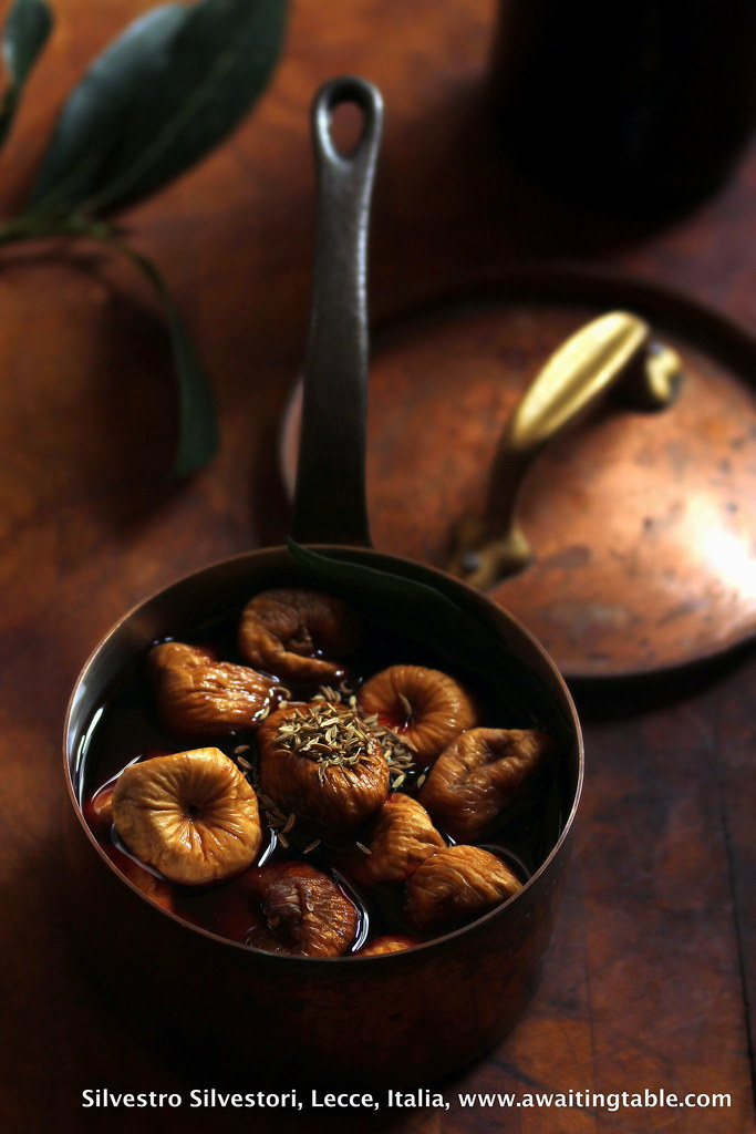 Post image for Simmered figs, Salento-style