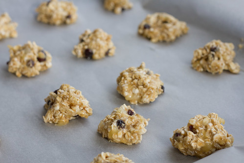 Banaani-kaerahelbeküpsised / 3-ingredient cookie (bananas, oats, currant raisins)