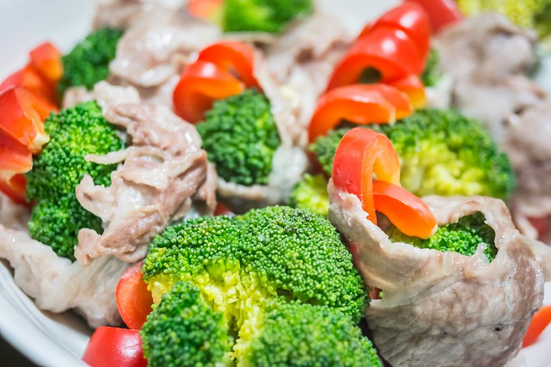 豚しゃぶとブロッコリーの温サラダ