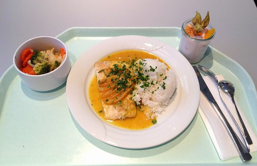 Seelachsfilet im Pfirsich-Ingwer-Sud / Coalfish filet with peach ginger brew