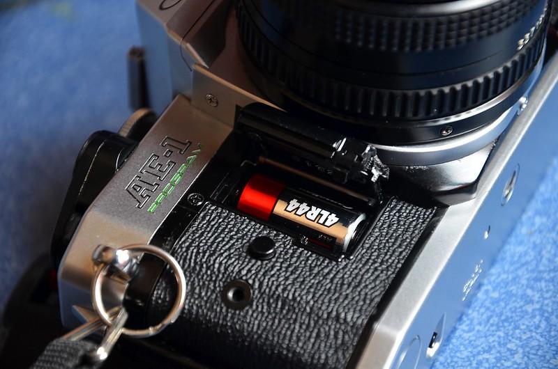 Canon AE-1 Program  - Batería 4LR44