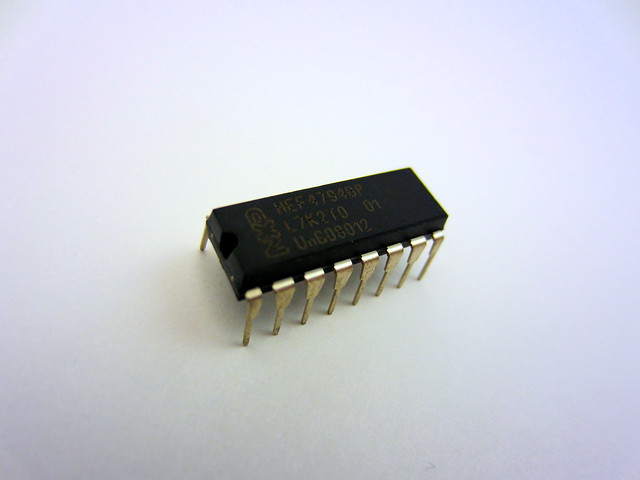 NXP 8-bit shift register