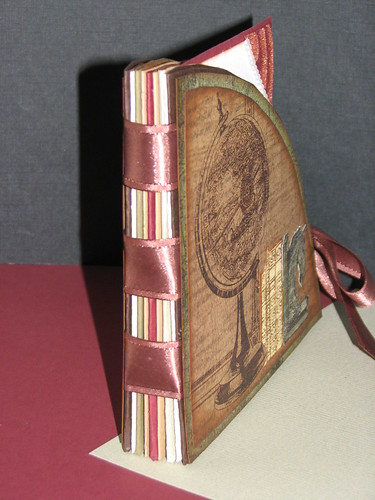 Club Scrap Bookshelves Globe Book 002
