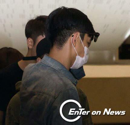 BIGBANG wout Seungri departure Seoul to Tokyo 2016-08-26 2 (7)
