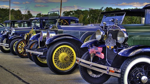 auto blue trees black green ford colors car wheel yellow modela canon vintage automobile colorful flag wheels rollsroyce flags chrome vehicle headlight carshow photomatix photomatixpro a t2i