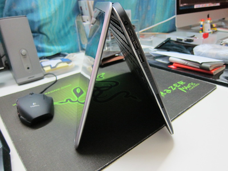 Dell XPS 12 - Inverted V Side View