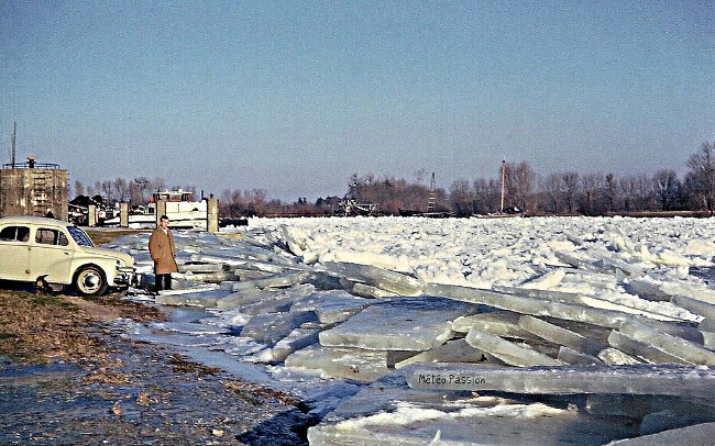 confluence de la Maine et de la Loire gelée en janvier 1963 météopassion