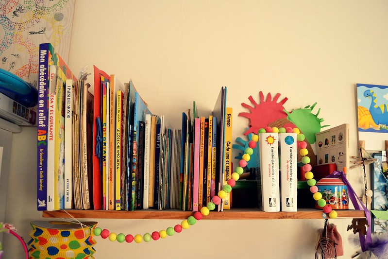 bibilioteca estante