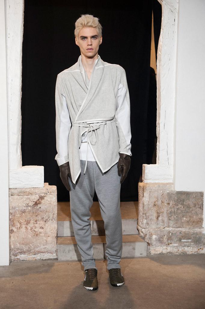 FW13 Paris Gustavolins003_Maxim Mitrofanov(fashionising.com)