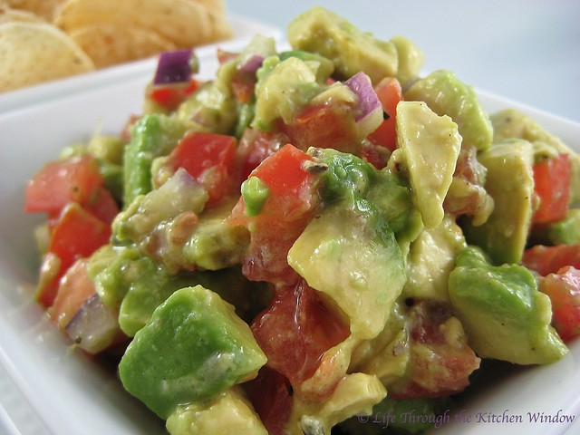 Chunky Guacamole with Tomato