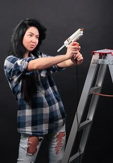 Anna & the tools - glue gun