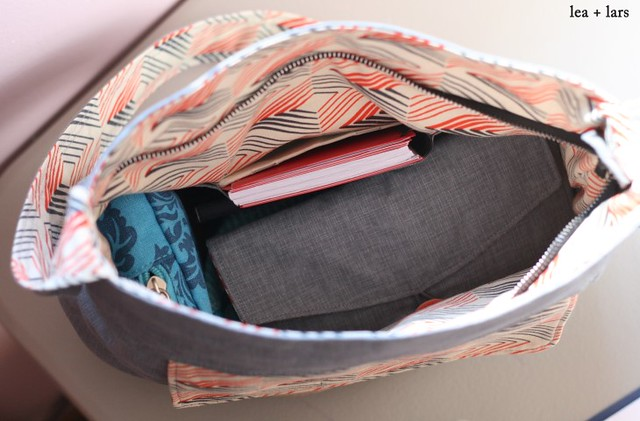 inside of sidekick tote