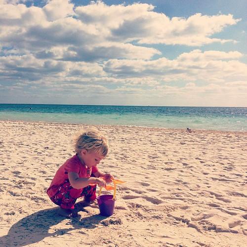 Gathering sand