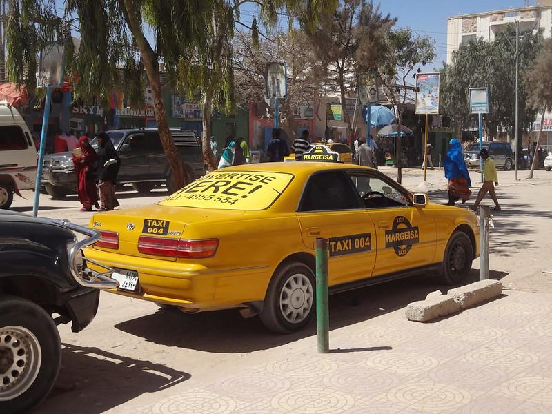 Um táxi estacionado em Hargeisa