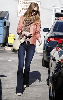 Rosie Huntington Whiteley Flared Jeans Celebrity Style Women's Fashion