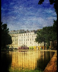Loved these's colourful reflections on our walk along the Parisian canal early one morning a couple of weeks ago. Gosh how time flies:open_mouth: