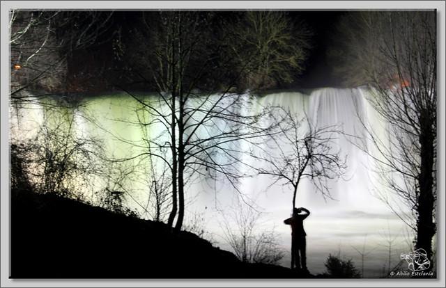 1 Cascada El Peñón de noche