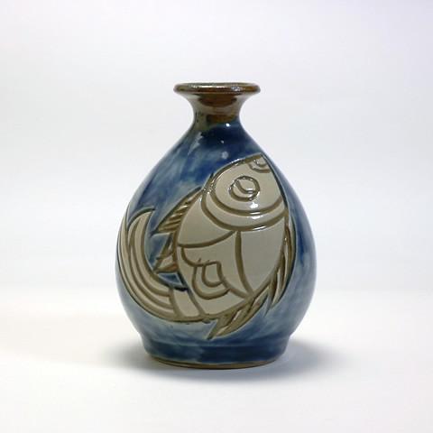 宮陶房「丸形徳利/青魚紋」