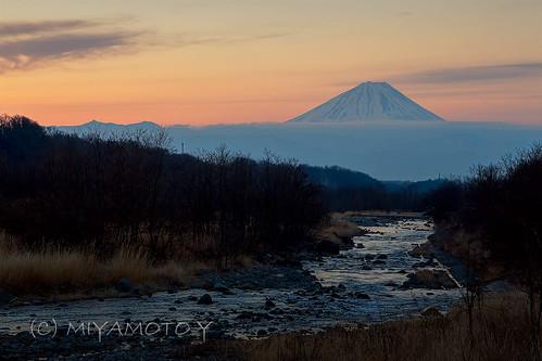 winter japan sunrise river mtfuji 2013