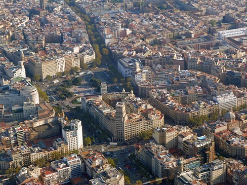 Vista aérea (desde un helicóptero) de Plaza Catalunya (Barcelona)
