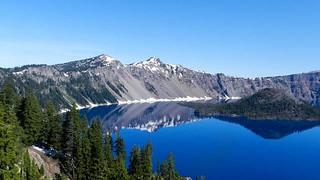 crater-lake-amelia
