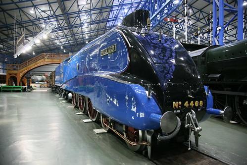 LNER ( Doncaster ) Gresley Class A4 4-6-2 4468 'Mallard'