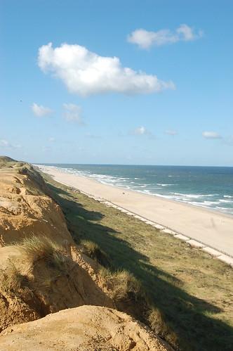 Blick vom roten Kliff zum Strand