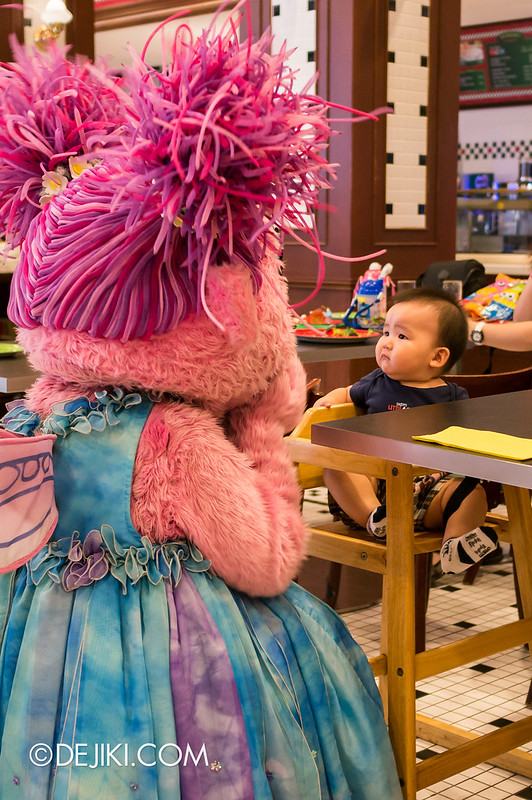 Sesame Street Character Breakfast at Universal Studios Singapore - Meeting characters