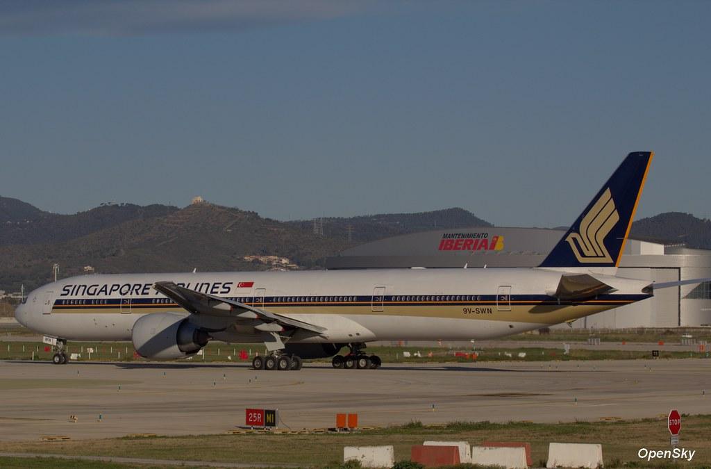 Singapore Airlines Boeing 777-312(ER) 9V-SWN (cn 34579)
