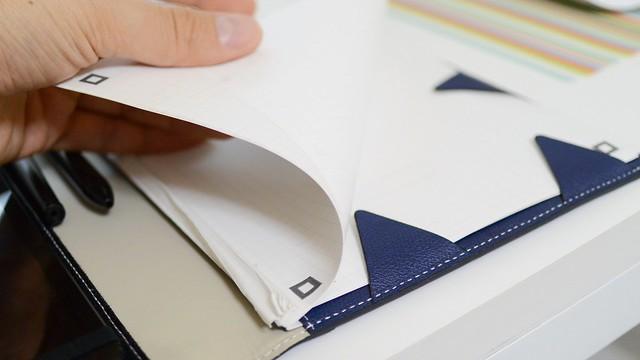 デザインするメモ帳に挟んだアナログメモ