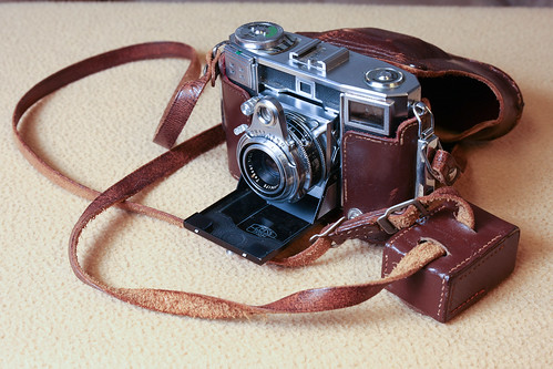 Zeiss Ikon by tabrandt