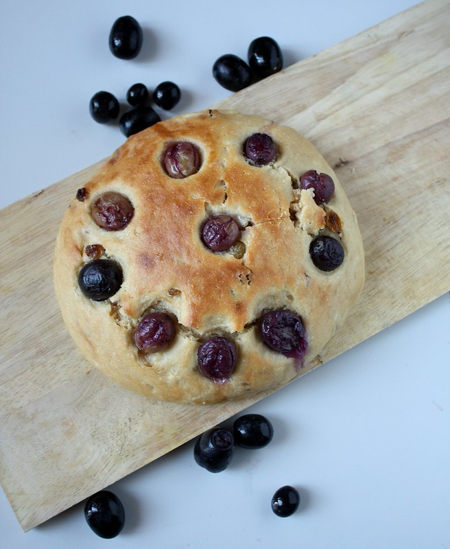 grape and raisin focaccia