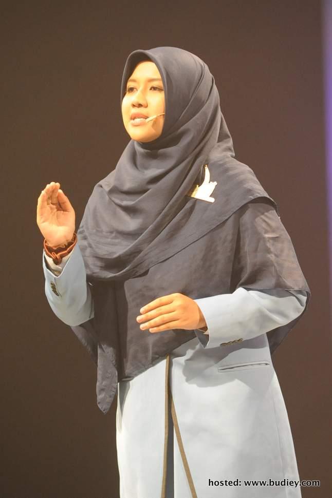 Nor Adibah Binti Rozain dinobatkan sebagai juara program Da'i musim pertama