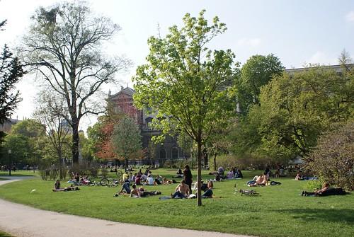 Sunny day in the Burggarten.