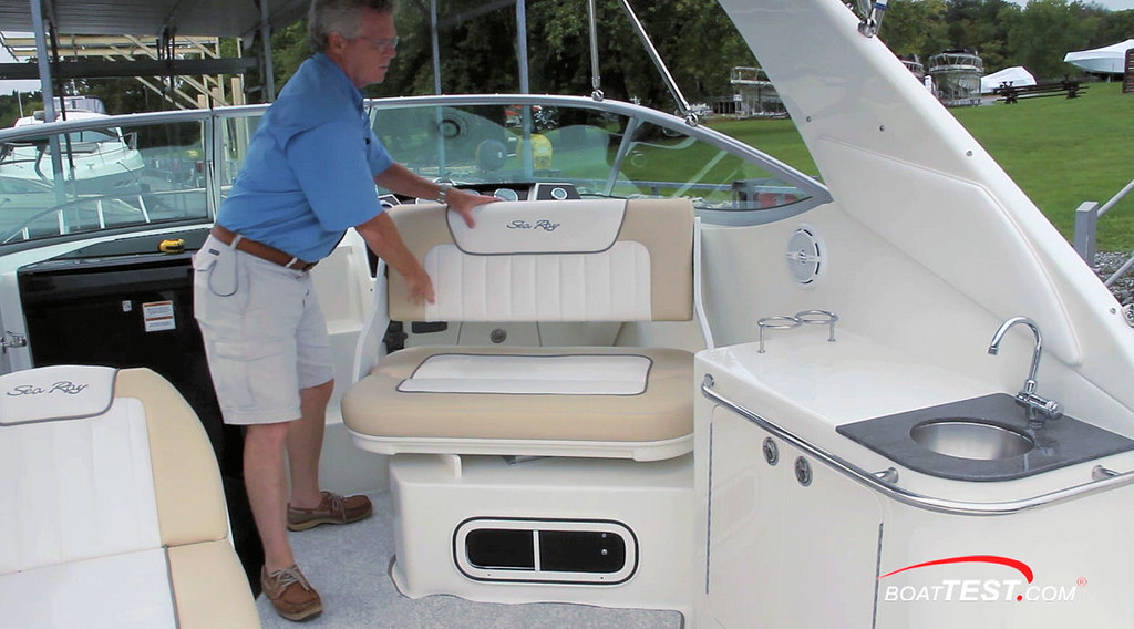 Sea Ray 280 Sundancer | For more tests, reviews, captain's r