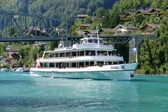 MS Brienz sticht in den Brienzersee (bei Sendli Interlaken)