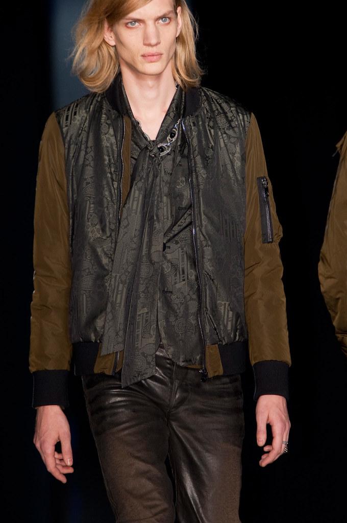 Paul Boche3446_FW13 Milan Diesel Black Gold(fashionising.com)